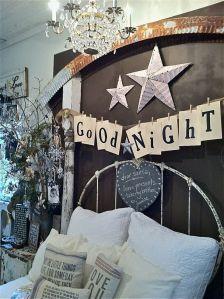 Christmas-Bedroom-Star-Decorations